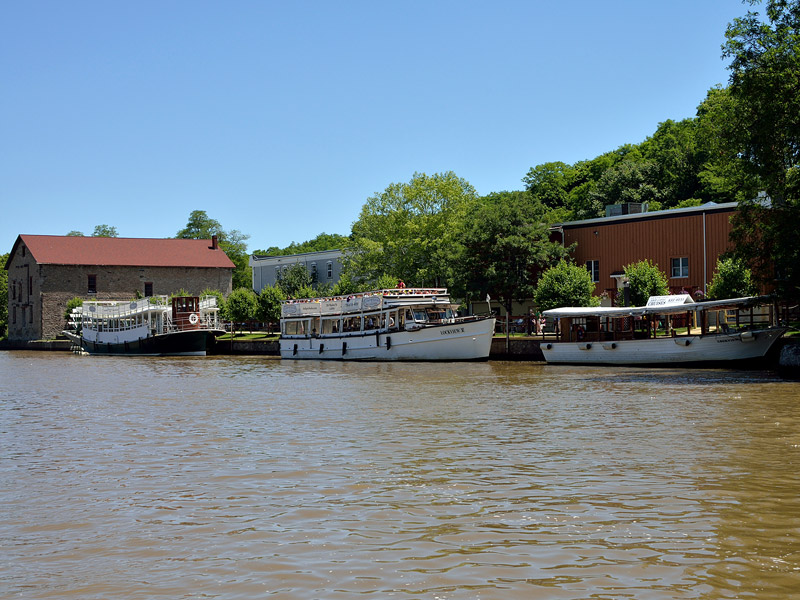 Boats at Lockport Locks & Erie Canal Cruises
